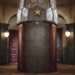 """サッポロビールCM""""大人エレベーター""""歴代出演者を階数順にまとめた。"""